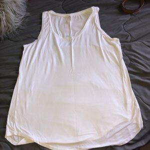 White Old Navy loose fitting tank